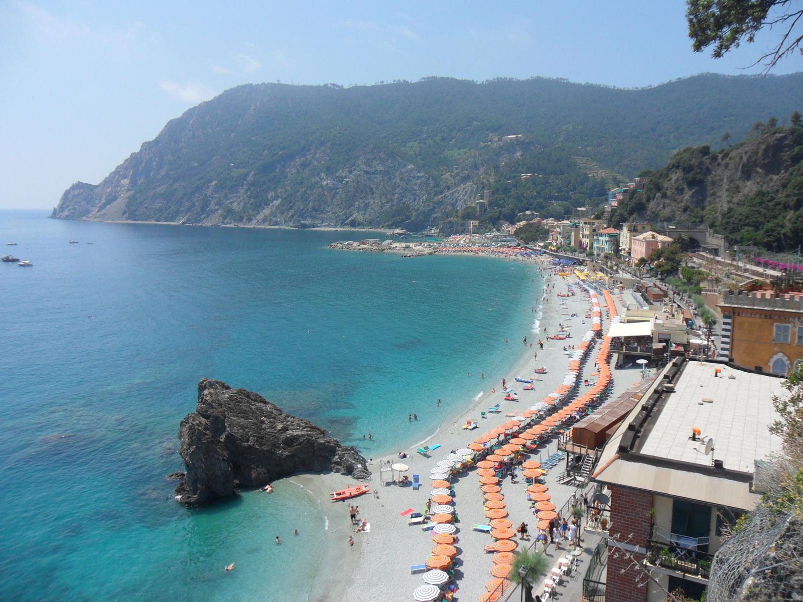 Cinque terre beaches for Hotel meuble suisse genova